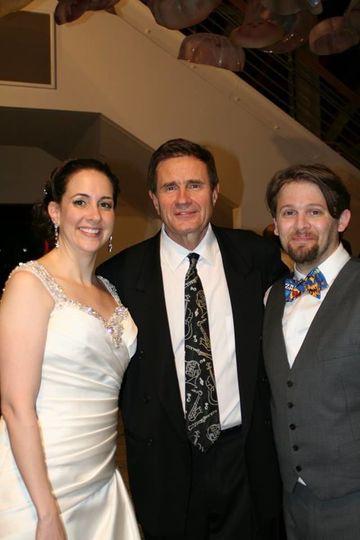 DeSantis Entertainment with wedding couple at the National Aquarium Baltimore MD